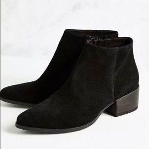 Vagabond suede ankle boots